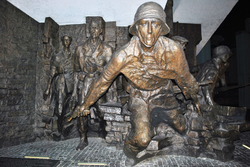 day-3-warsaw-uprising-memorial-2